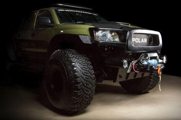 1Toyota-Tacoma-Polar-Expedition-Concept-Truck_1