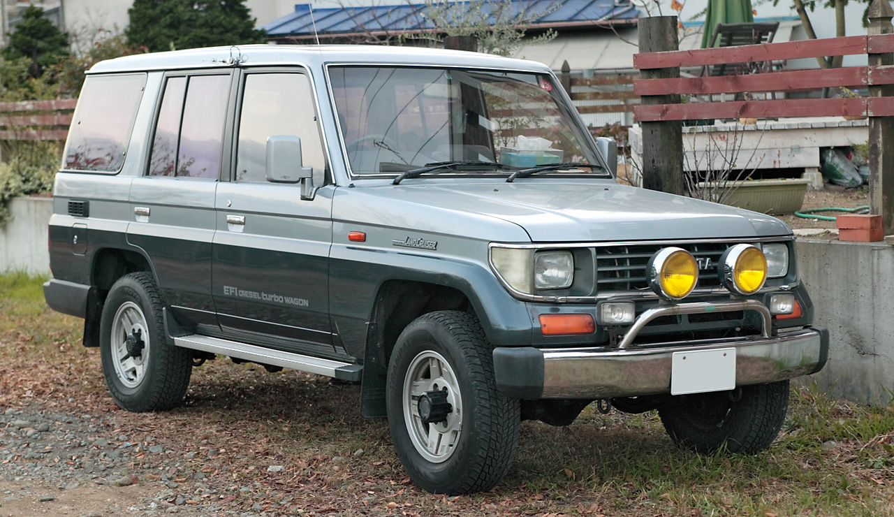 Toyota_Land_Cruiser_Prado_70_001