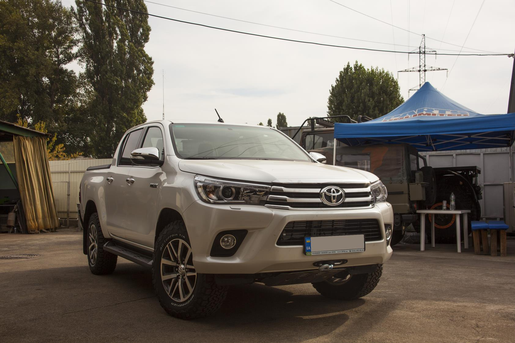 Toyota_Hilux_2016_Winch3