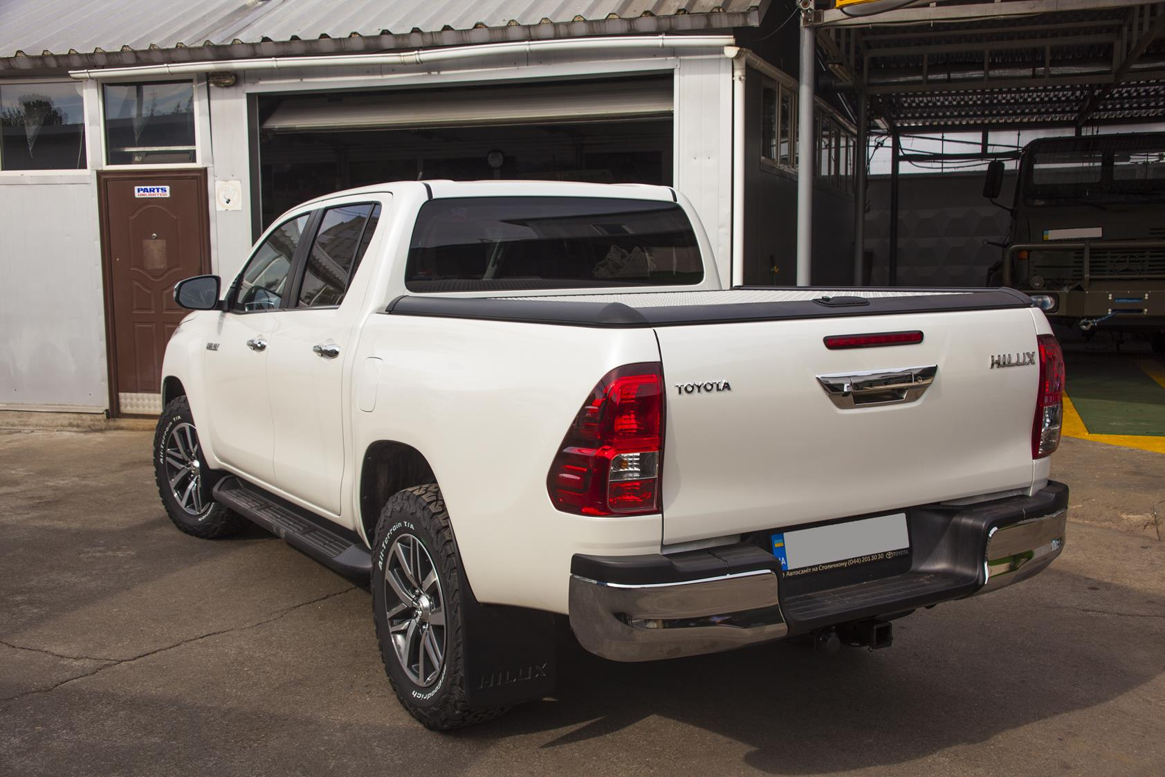 Toyota_Hilux_2016_Winch6