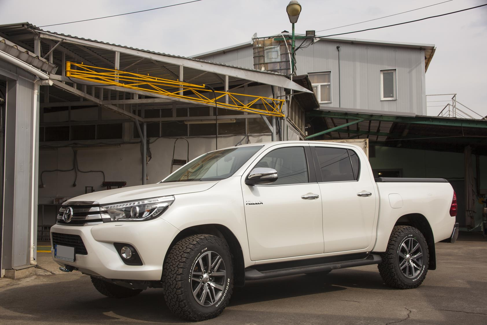 Toyota_Hilux_2016_Winch9